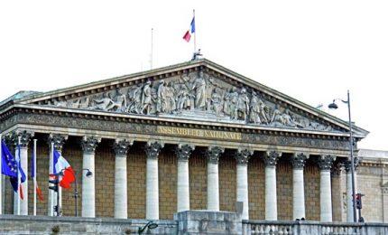 Elezioni Francia, Republique en March verso maggioranza assoluta. Destra e sinistra temono strapotere di Macron
