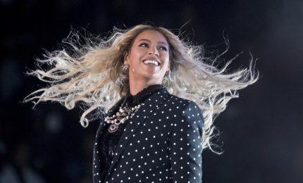 Beyoncé di nuovo mamma, la pop star ha avuto due gemelli