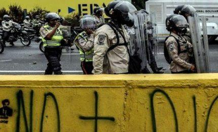 """Un 25enne italo-venezuelano fermato a Caracas per terrorismo. Il legale: """"Accuse inventate"""""""