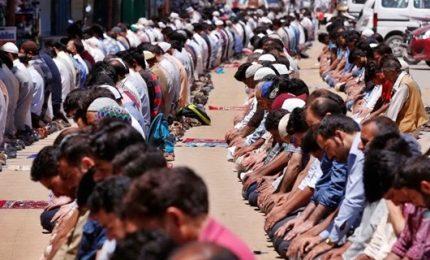 Gerusalemme, preghiera fedeli islamici per fine Ramadan