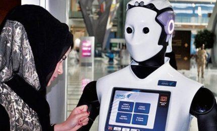 Dopo la Ferrari come pattuglie, polizia di Dubai ha un ufficiale robot