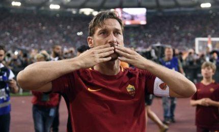 """La Uefa premia Totti con il President's Awards: """"È un onore"""""""