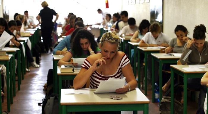 Maturità al via il 21 giugno esami per oltre mezzo milione di studenti. Il menu dei maturandi