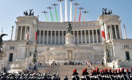 Fondazione della Repubblica, 4mila in sfilata ai Fori imperiali. Sindaci in testa