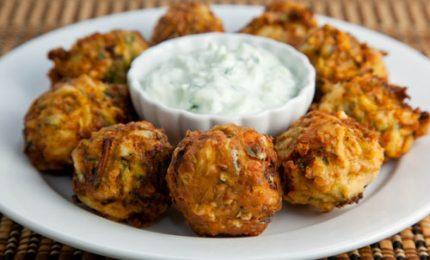 Le kolokithokeftedes, dalla Grecia le gustosissime polpette di zucchine