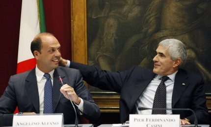 """Casini affonda Alfano: """"Degradante che si incontri con Ghedini e Miccichè"""""""