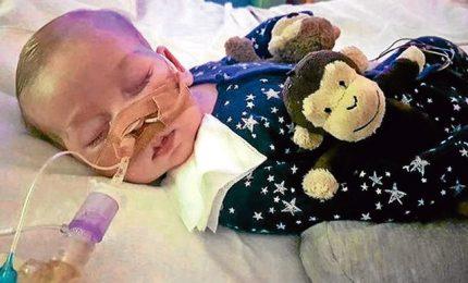 Caso Charlie, bambino avrà fine settimana con genitori. il Papa: difendere la vita quando è ferita