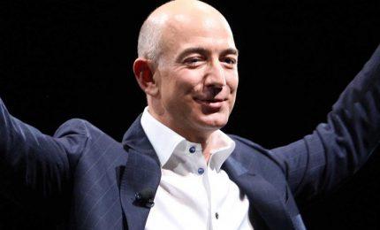 Bezos è la persona più ricca al mondo, supera Bill Gates per  500 milioni di dollari