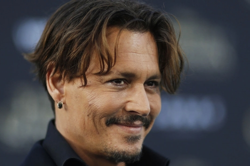 "Johnny Depp contro ex manager: ""Non ho nessun disturbo mentale"""