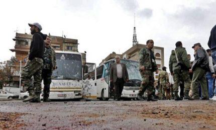 Esplode autobomba, almeno 18 morti. Forze anti-Isis a Raqqa