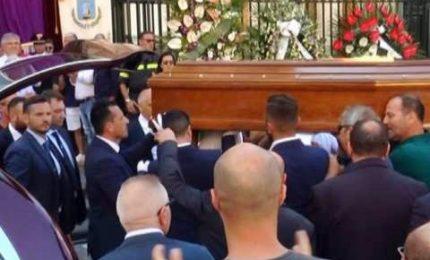 Crollo Torre Annunziata, dolore a funerali 8 vittime