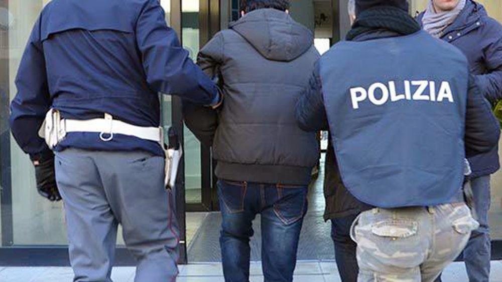 Roma, giovane tunisino fermato dalla polizia con l'accusa di violenza sessuale
