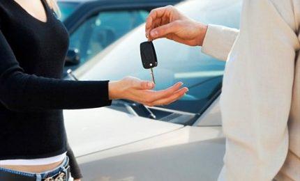 Mercato auto cresce a doppia cifra