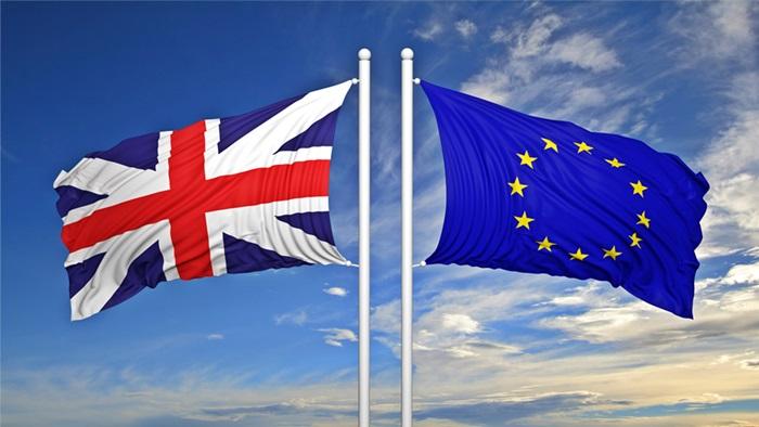 Gb, in decine di migliaia a Londra per chiedere nuovo voto Brexit