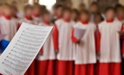"""Il vescovo Ratisbona chiede perdono """"per i colpevoli"""" di abusi ai minori coperti finora"""