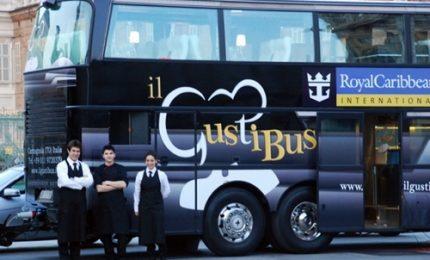 """Arriva """"Gusti Bus"""", autobus ristorante per la cucina italiana"""