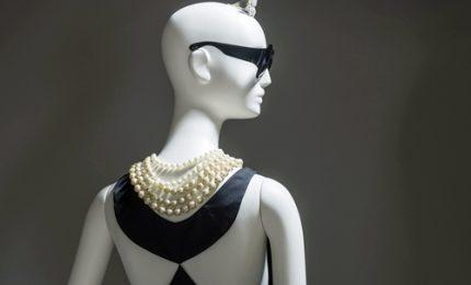 In mostra a Calais abiti e profumi del mitico Hubert de Givenchy