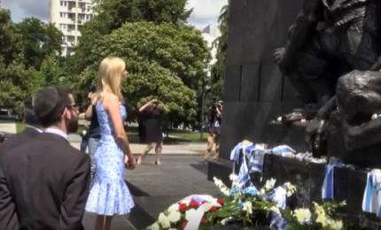 Ivanka Trump visita il memoriale del ghetto di Varsavia