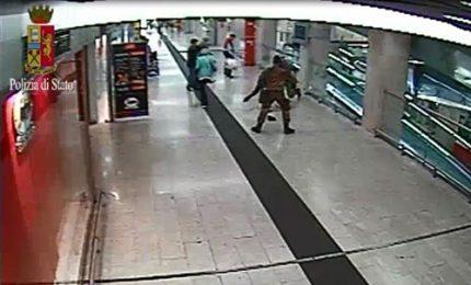 Milano, aggressione col coltello al poliziotto