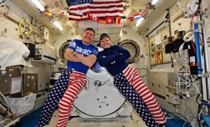 4 luglio, sulla Stazione spaziale si festeggia così