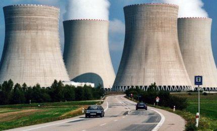 Francia pronta a chiudere 17 reattori. La svolta di Macron