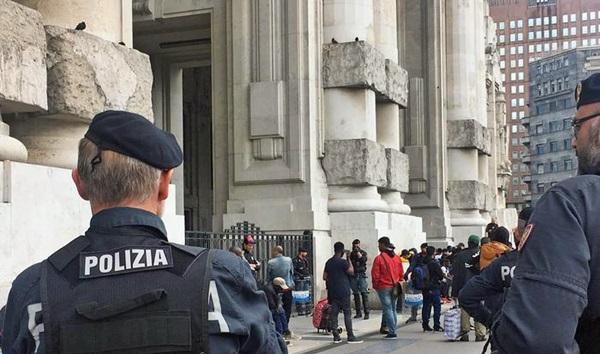 Perchè è stato scarcerato il migrante che ha aggredito un poliziotto