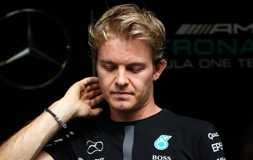Nico Rosberg difende Hamilton: