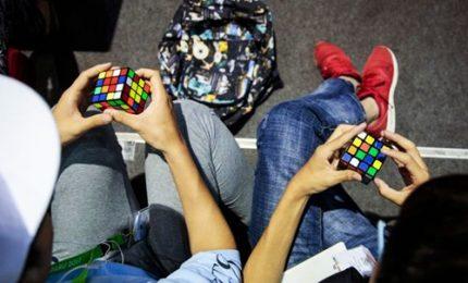 Parigi, scontro tra titani ai campionati di cubo di Rubik