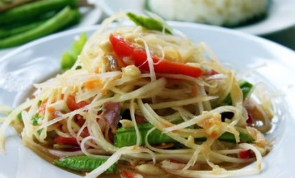 Ricette dal mondo, ecco l'insalata di papaya verde thai