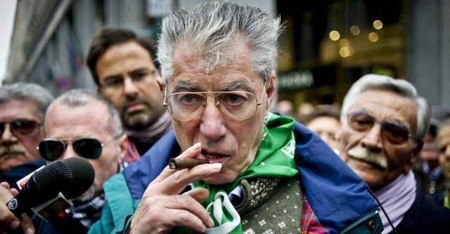 Cassazione: vilipendio, confermata condanna a Bossi