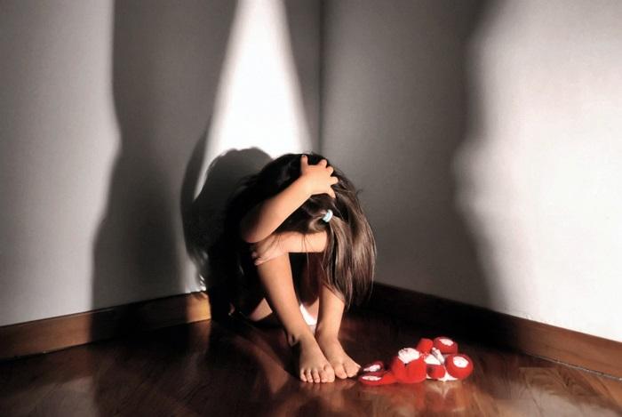 Nel Catanese, domestico abusa di ragazza di 14 anni
