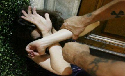 Tortura nuovo reato, pene fino a 12 anni. Cosa prevede la legge