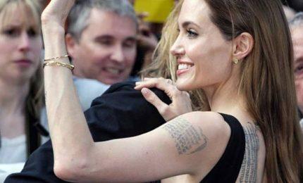 Scritte, simboli e creatività: i tatuaggi delle star