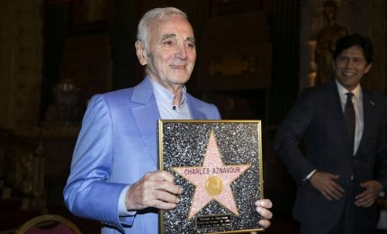 Una stella per Aznavour sulla  Walk of Fam di Hollywood