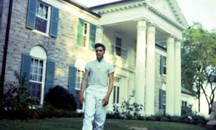 Elvis Presley, 20 mila dollari per una settimana nella sua casa a Beverly Hills