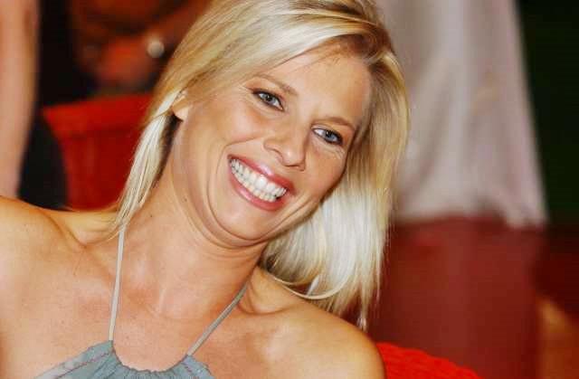 Laura Freddi, a 45 anni in dolce attesa per la prima volta