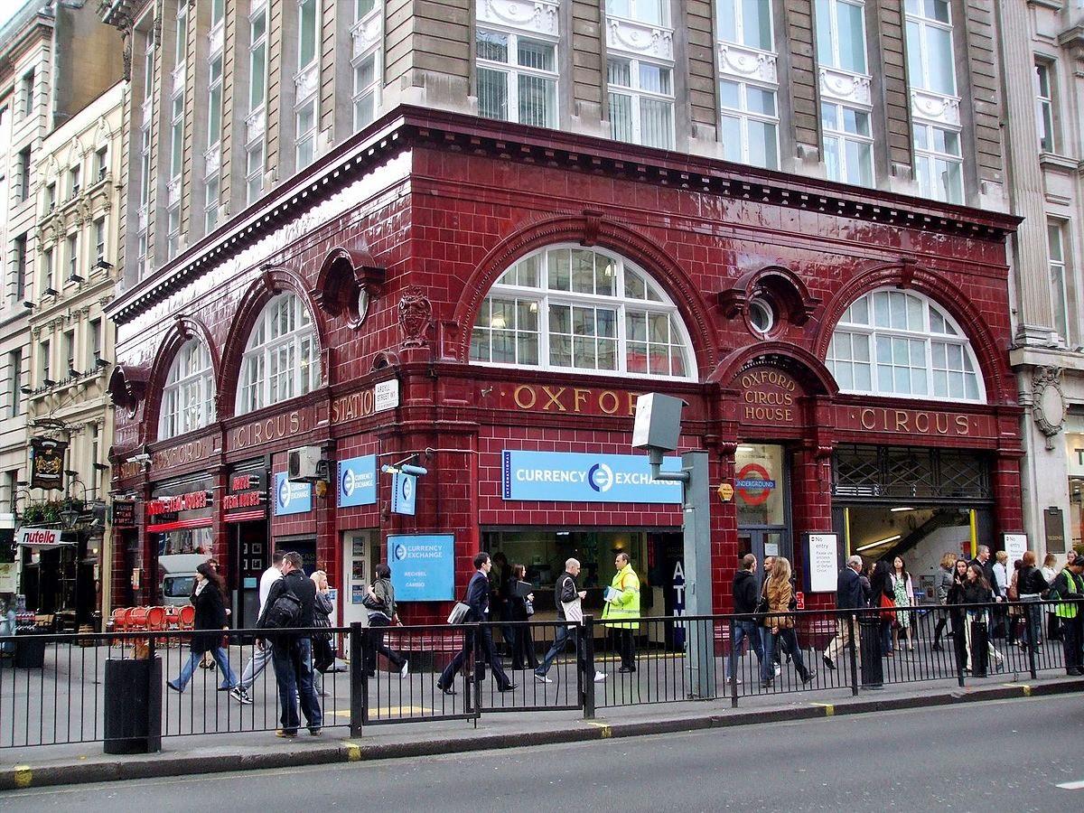 Londra, principio di incendio sul metrò