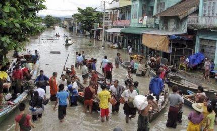 Vietnam, inondazioni e colate fango: 26 morti, 15 dispersi