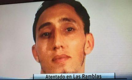 Attentato a Barcellona, morti e feriti: caccia all'uomo