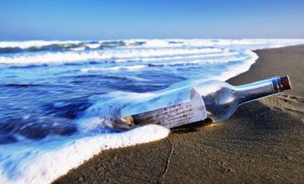 Messaggio in bottiglia lanciata in mare in Grecia finisce a Gaza