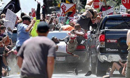 Charlottesville, Trump condanna in ritardo suprematisti bianchi