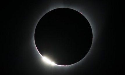 Grande emozione degli Usa per la prima eclissi totale da 99 anni