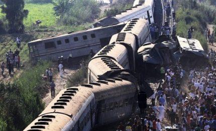 Scontro tra due treni in Egitto, almeno 40 morti