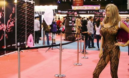 "A Hong Kong ""Asia adult"", l'expo dei sex toys"