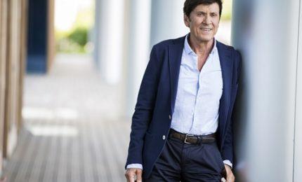 Gianni Morandi in diretta da sede di Facebook Italia