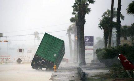 Harvey si abbatte sul Texas, il peggiore dal 2005