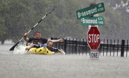 Tempesta Harvey: 30.000 persone sfollate in rifugi, danni fino a 100 miliardi di dollari