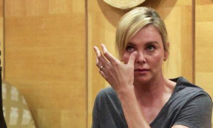 Le lacrime di Charlize Theron: fermare per sempre l'Aids