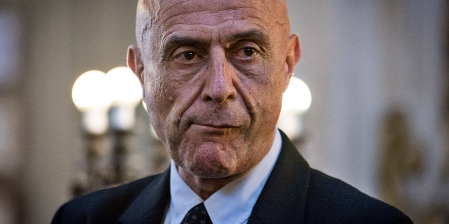 Minniti a Parlamento Ue: foreign fighters nei flussi migratori
