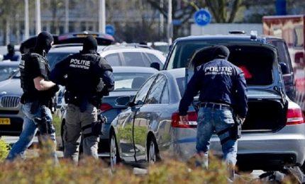 Furgone pieno di bombole, attentato sventato a Rotterdam
